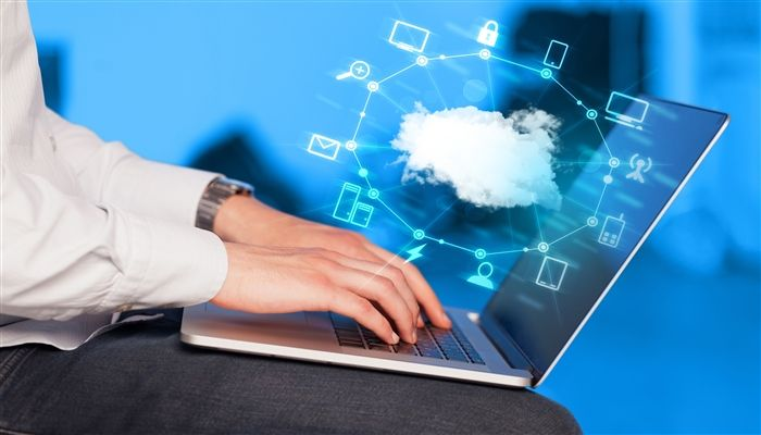 What are the challenges and advantages of Cloud Computing?